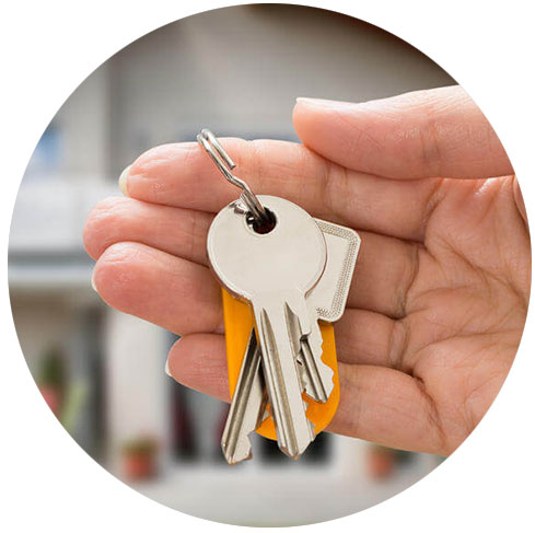 https://www.onetouchpropertymanagement.com/wp-content/uploads/2018/06/keys-house-hand.jpg